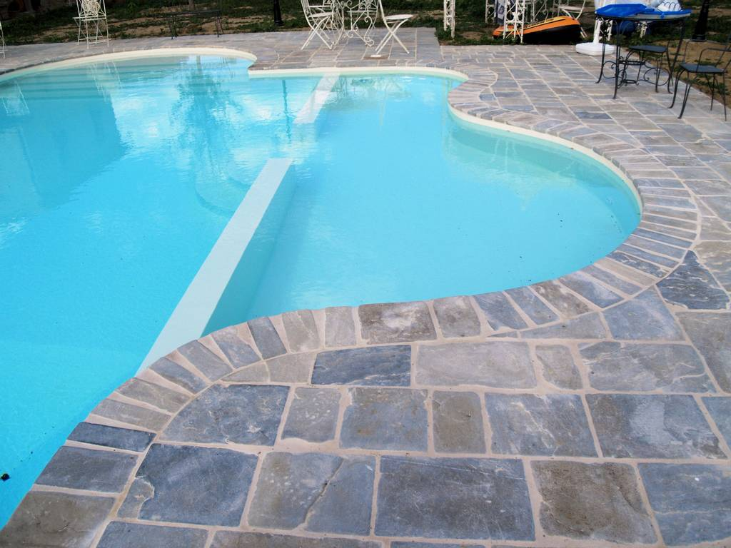 Slide 03 edilia srl for Pavimenti per piscine prezzi